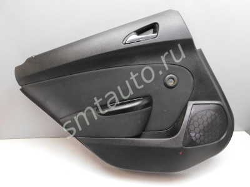 13258679 - Обшивка двери задней левой для Opel Astra J 2010> (фото)